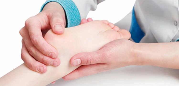 Лечение пяточной шпоры: причины появления и способы лечения