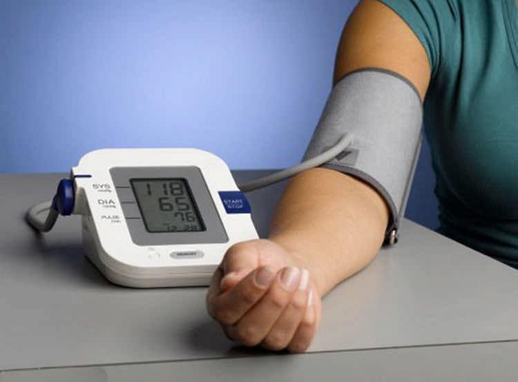 Как измерить давление с помощью тонометра и без него