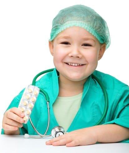 Как дать таблетку ребенку