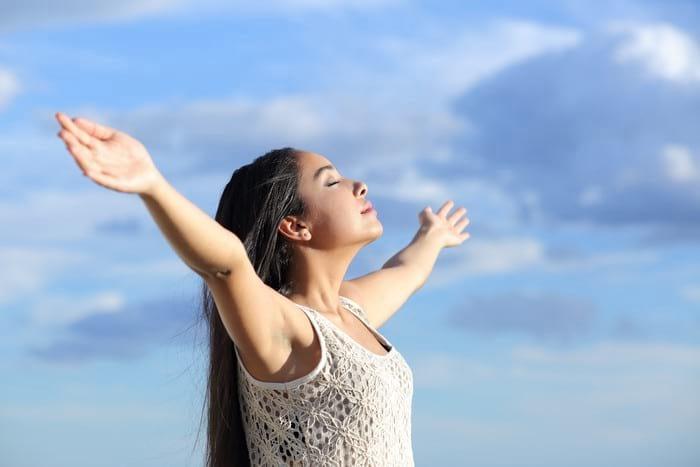 Дыхательная гимнастика Стрельниковой: комплекс полезных упраж