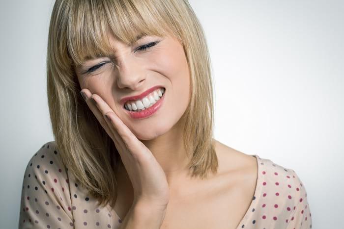 Зуб мудрости болит, зуб мудрости как снять боль (фото и видео)