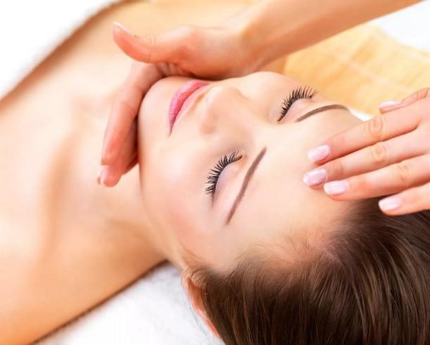 Как делать лимфодренажный массаж лица от отеков, морщин, провисания контура