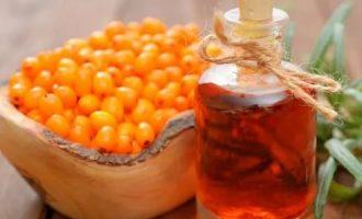 Как применять облепиховое масло для лица, волос и лечения заболеваний