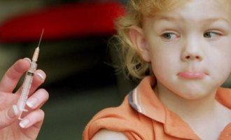 Зачем нужна прививка АКДС детям, делать ее или нет, как помочь ребенку перенести ее