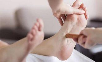 Точки на стопе ног