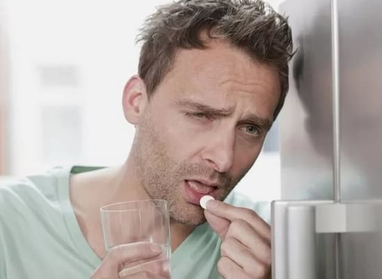 Как быстро протрезветь: самые эффективные таблетки от похмелья