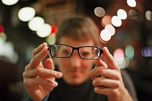 Как улучшить зрение в домашних условиях за короткий срок