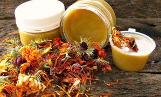 Народное лечение эрозии шейки матки: самые эффективные рецепты