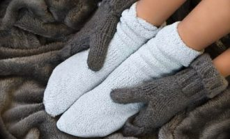 Почему мерзнут ноги даже в теплом помещении