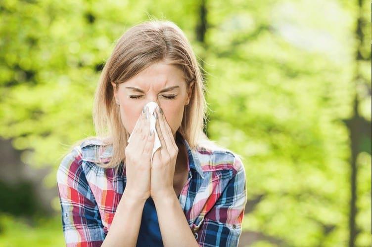 Аллергический насморк у взрослого
