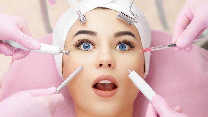 Эффективные омолаживающие косметические процедуры для лица после 50 лет
