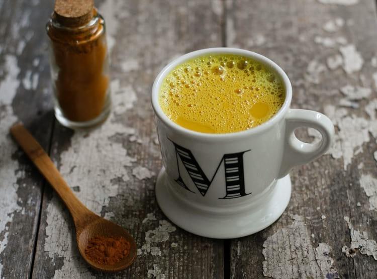 Кефир с куркумой на ночь: полезные свойства, рекомендации и рецепты приготовления