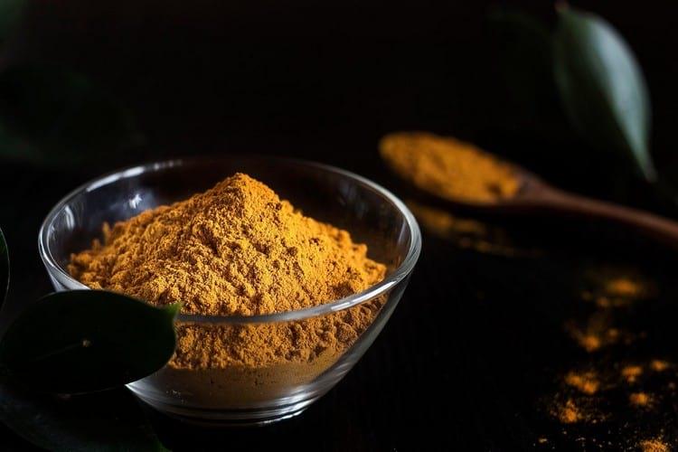 Куркума с медом на ночь: полезные свойства, противопоказания и рецепты