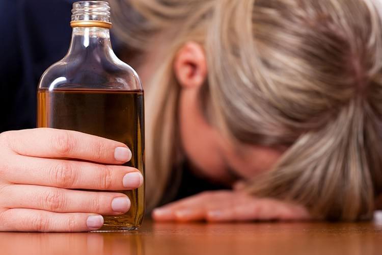 Как избавиться от алкоголизма народными методами