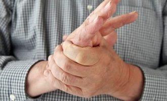 Почему немеет правая рука: причины, упражнения и лечение