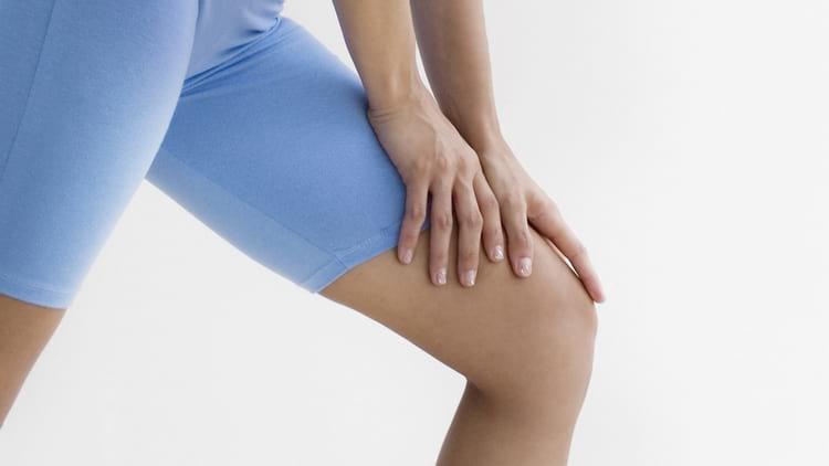 хруст в эндопротезе коленного сустава