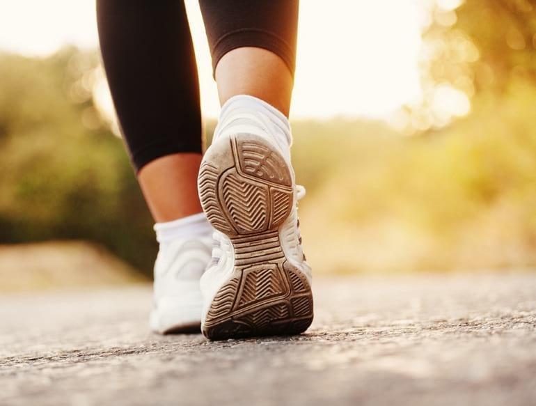 Сколько в день нужно ходить пешком для здоровья и похудения